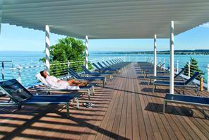 Panoramadeck Therme Konstanz mit Blick auf den Bodensee