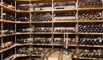 Altes Flaschenarchiv im Weinkeller