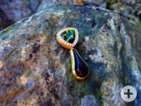 Schmuckstück auf Stein